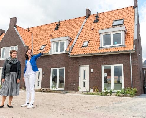 Ons Hof, Luchen Marloes Verkerk-Van Rooij en Claudia Terlou
