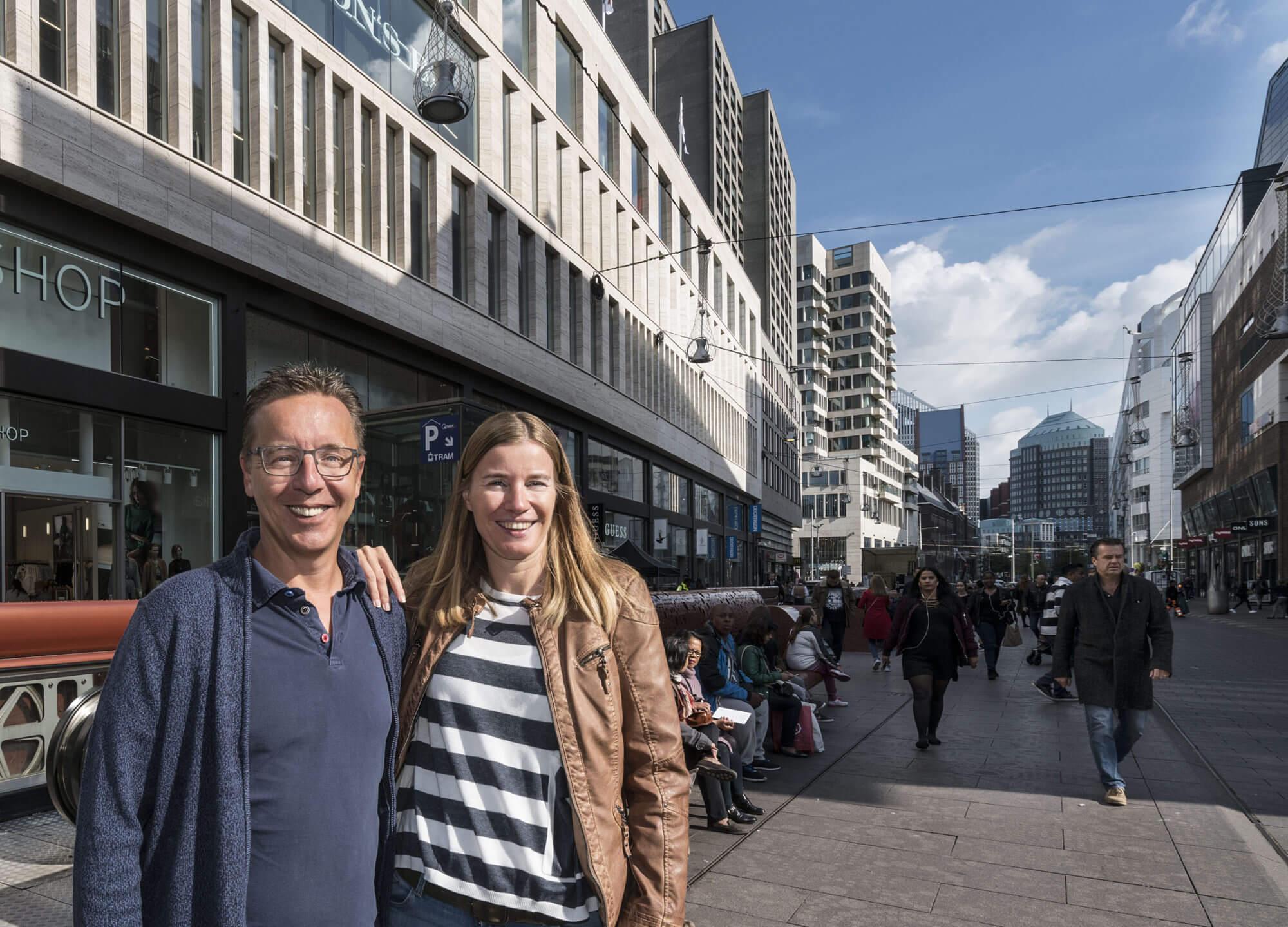 Winkelend publiek in de Grote Marktstraat