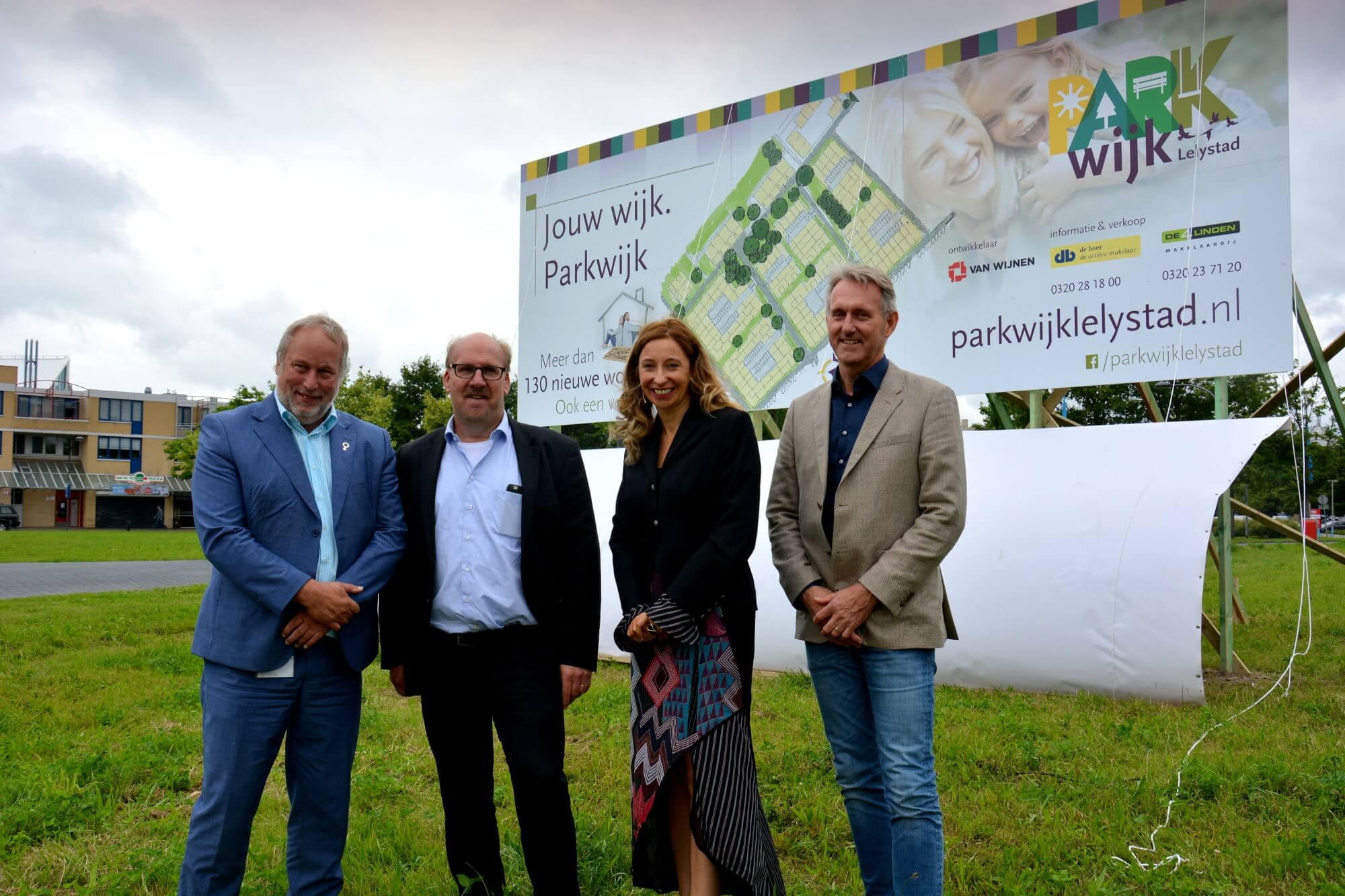 Wethouder Job Fackeldey, Peter Hutten, Nina Nomden en Tjisse Wallendal