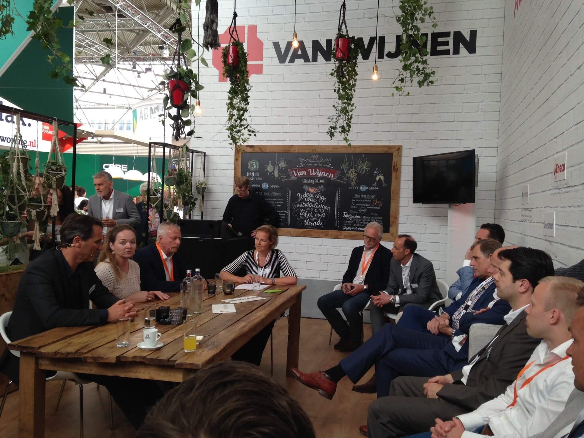 Aan tafel met Bert van der Sluis van Vandelande en Marije Van der Valk over grensverleggende keuzes in bedrijfsvoering.