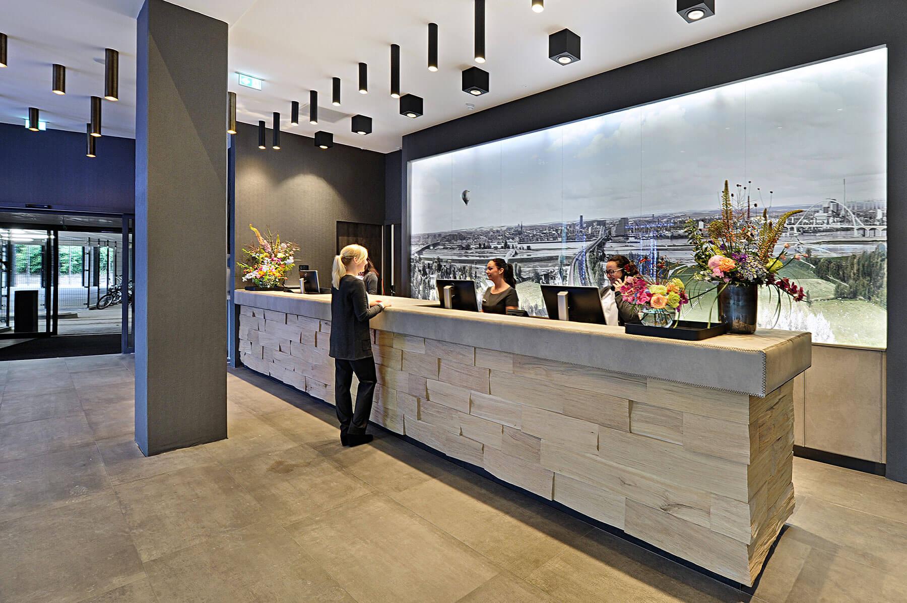 Lobby Van der Valk Hotel Nijmegen-Lent