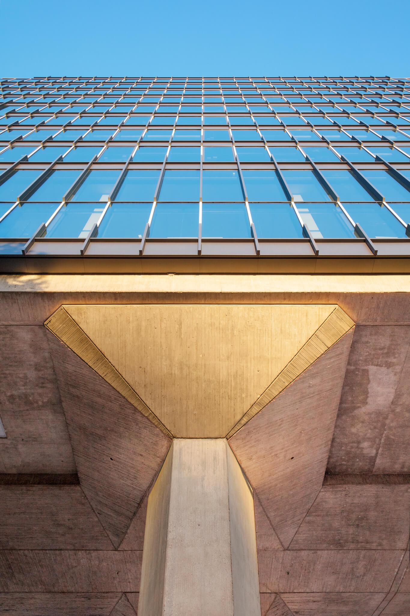 ATLAS TU/e betonnen pijlers