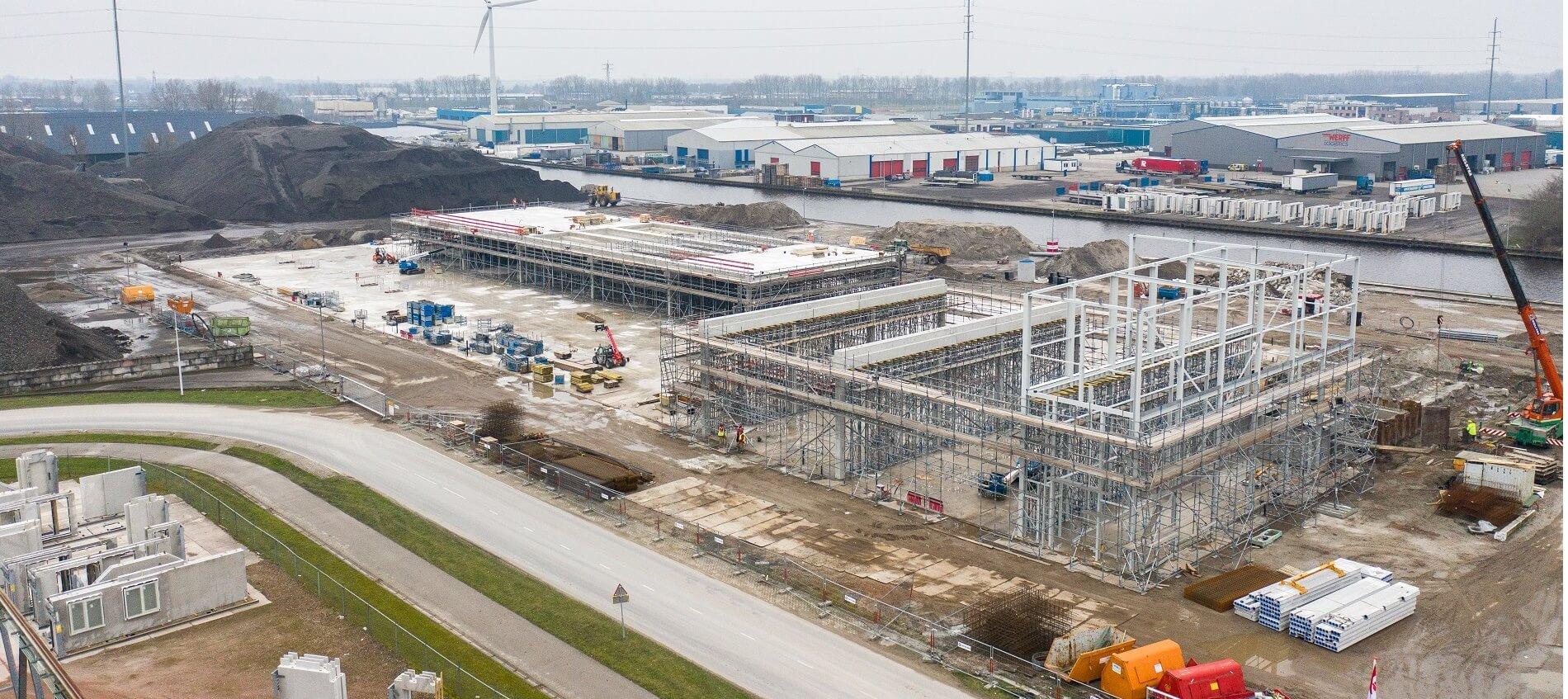 Woningfabriek Van Wijnen in aanbouw